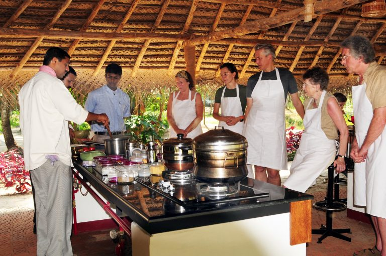 09_Marari Beach Farm Kitchen Cooking Demo