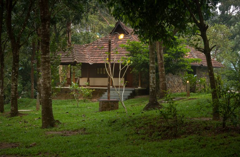 Quiet by the river, CGH Earth - river lodge(1)